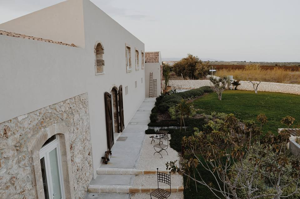 Scilla Maris - Charming Suites Noto_17